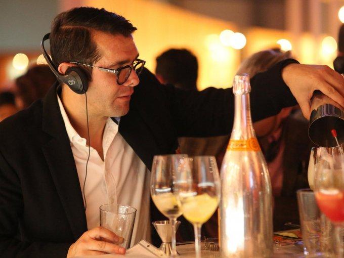 17. Lorenzo Ruiz: El amante del bon vivant cada año se da cita en una gran cantidad de eventos culturales como Zona Maco y gastronómicos como Wine & Food Festival que se organiza en Quintana Roo.