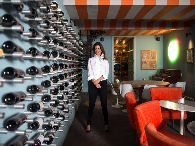 5. Sofía Aspe: Como una emprendedora y apasionada del diseño, en 2017 celebró un lustro de experiencia profesional al frente de Sofía Aspe Interiorismo, además de publicar su primer libro con sus 19 proyectos icónicos