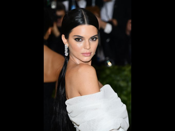 En la Met Gala 2018 pudimos observar que muchas celebs llevaban joyas preciosas que sin duda alguna vas a querer tener en tu alhajero. ¡NOS ENCANTAN!