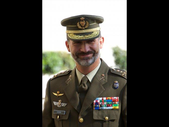 El rey Felipe de España estudió en la Universidad Autónoma de Madrid y culminó su formación con una maestría en Relaciones Internacionales en la Universidad Católica de Georgetown, en Washington, D.C.