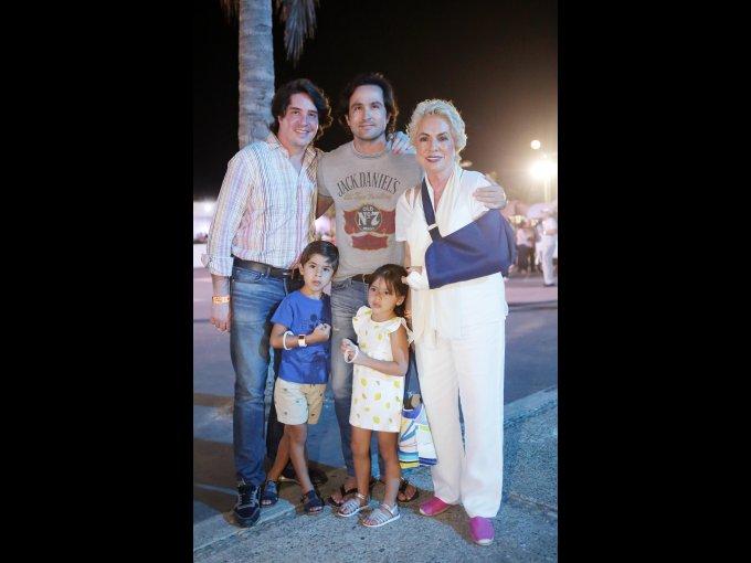 Rodrigo Zúñiga con Rico, Janny, Rico e Isabel Diener