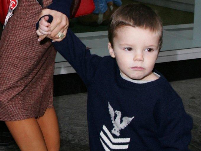 Cruz Beckham  es el tercer hijo de David y Victoria Beckham, y así es como ha crecido: