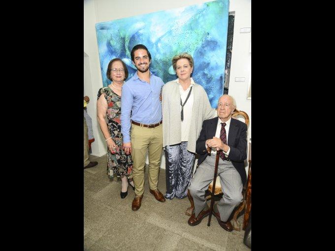 Marcela Ruiz y Mauricio Buenrostro con Maru Ruiz y Guillermo Ruiz