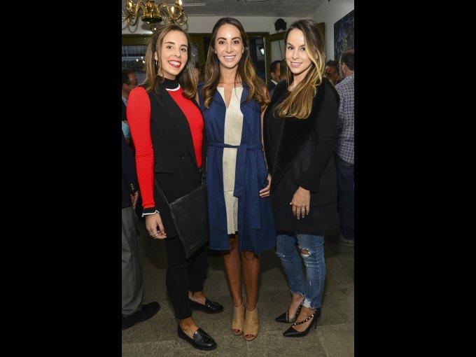 María Fernández Castañón con Melissa y Ana Gabriela Almada