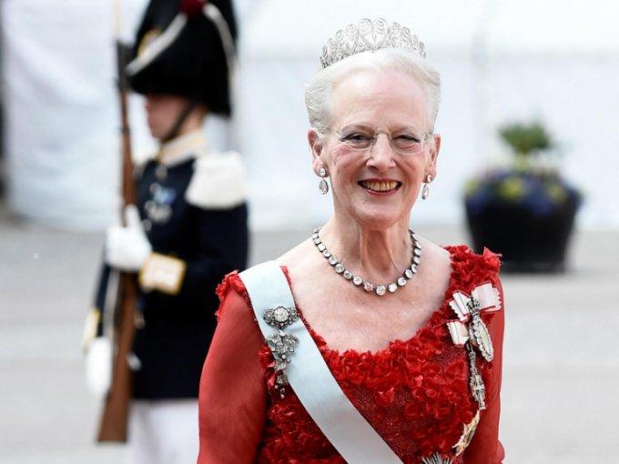 Margarita de Dinamarca y su difunto esposo el príncipe Henrik fueron muy felices como familia con sus dos hijos, Federico y Joaquín. No te pierdas sus mejores fotos juntos: