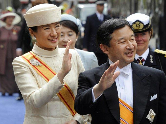El príncipe heredero de Japón, Naruhito, y su esposa Masako tienen una historia difícil, pues a ella le costó mucho adaptarse a las reglas de la realeza. Sin embargo, siguen juntos y es motivo de celebración: