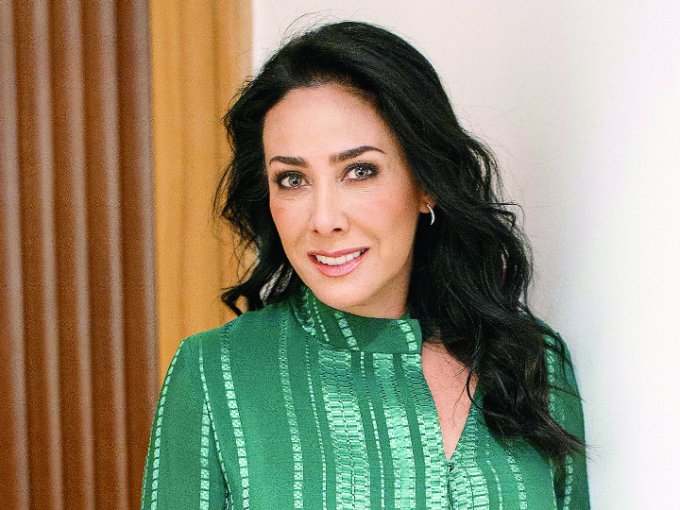 11. María Laura Medina de Salinas