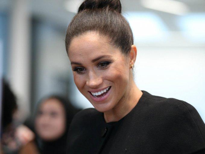 Estos son los looks que ha eligido la Duquesa de Sussex para su última etapa de embarazo. Mira las fotos: