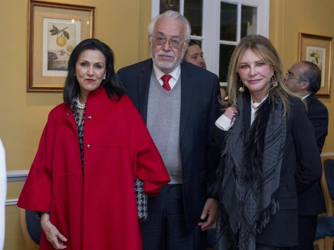 Cheli y Salvador González con María Luisa Albachten