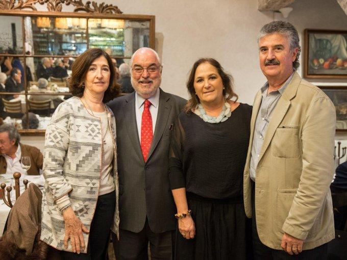 Rocío y Alfonso de Robina con Maricarmen y Alejandro Rodríguez