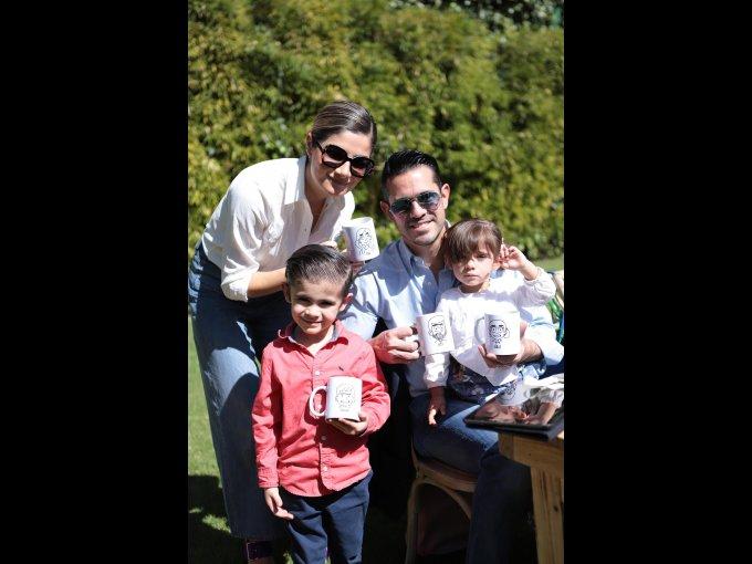 Ilse Turban con Emiliano, Alex y Julia Silva