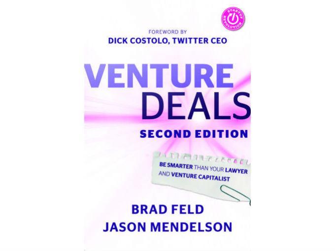 """Luis Miguel Coutiño, My Coffee Box recomienda: Venture Deals, de Brad Feld y Jason Mendelson. """"Es un libro que habla de cómo levantar dinero con fondos de capital privado"""". Foto: Especial"""
