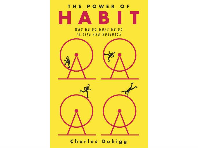 """Limmo recomienda: The power of habit, de Charles Duhigg. """"Te habla sobre los hábitos y cómo puedes modificarlos para ser más productivo, más eficiente y obtener mejores resultados. Yo creo que todo cambio empieza desde adentro y si tú quieres influenciar a miles de personas, tienes que empezar por ahí"""". Foto: Especial"""