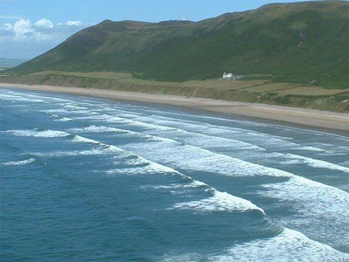 9. Rhossili Bay Swansea, Reino Unido.