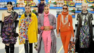 ¡Karl lo hace de nuevo! El diseñador transformó el Grand Palais en un increíble supermercado. Las modelos desfilaron en dulces y coloridos diseños ideales para mujeres de los 18 a los 80 años.