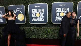 La imagen que resume los dos tipos de celebridades en la protesta de los Golden Globes