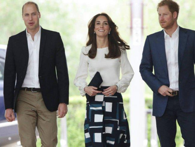 Kate Middleton reapareció tras el anuncio de su tercer embarazo (FOTOS)