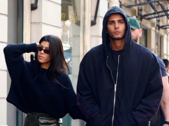 Novio de Kourtney Kardashian estalla en celos con sexy foto de ella