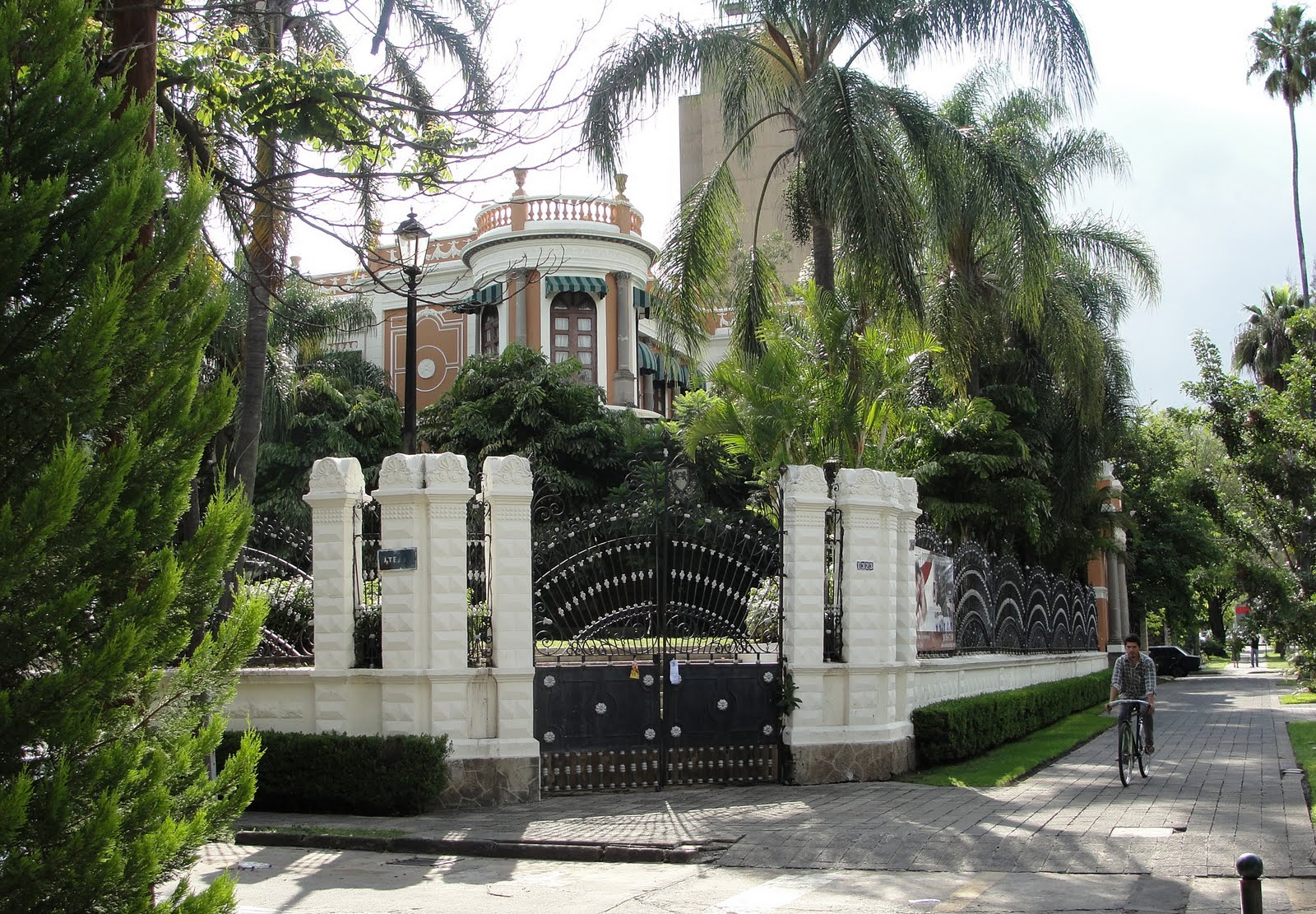 Mejores lugares para vivir en guadalajara rsvponline for Casas viejas remodeladas