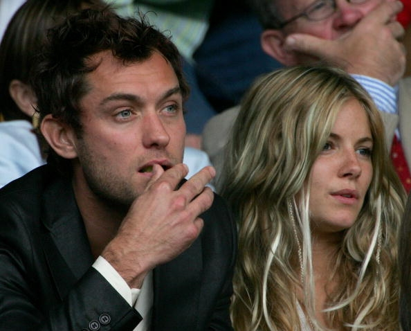 Jude Law and Sienna Miller are going to start living together 15.12.2009 48