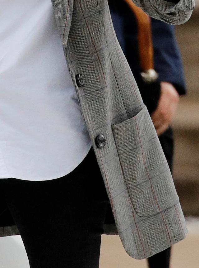 blazer-cuadros-meghan-markle