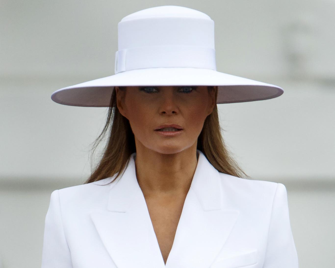 Melania Trump rechaza de nuevo a su esposo
