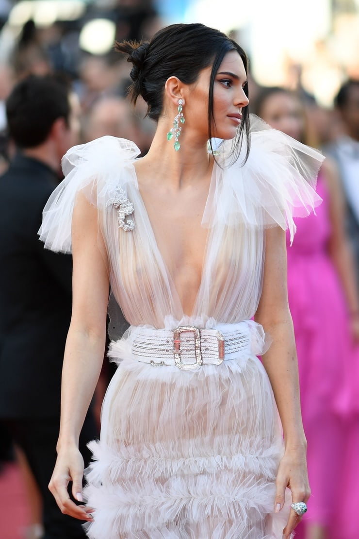 kendall-jenner-vestido-blanco-cannes-a