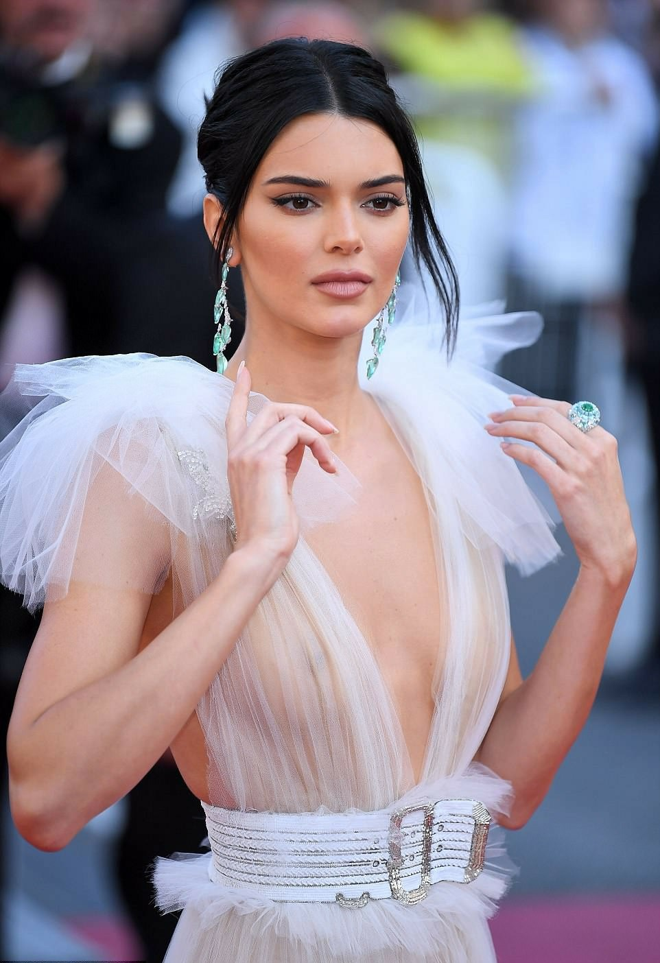kendall-jenner-vestido-blanco-cannes-b