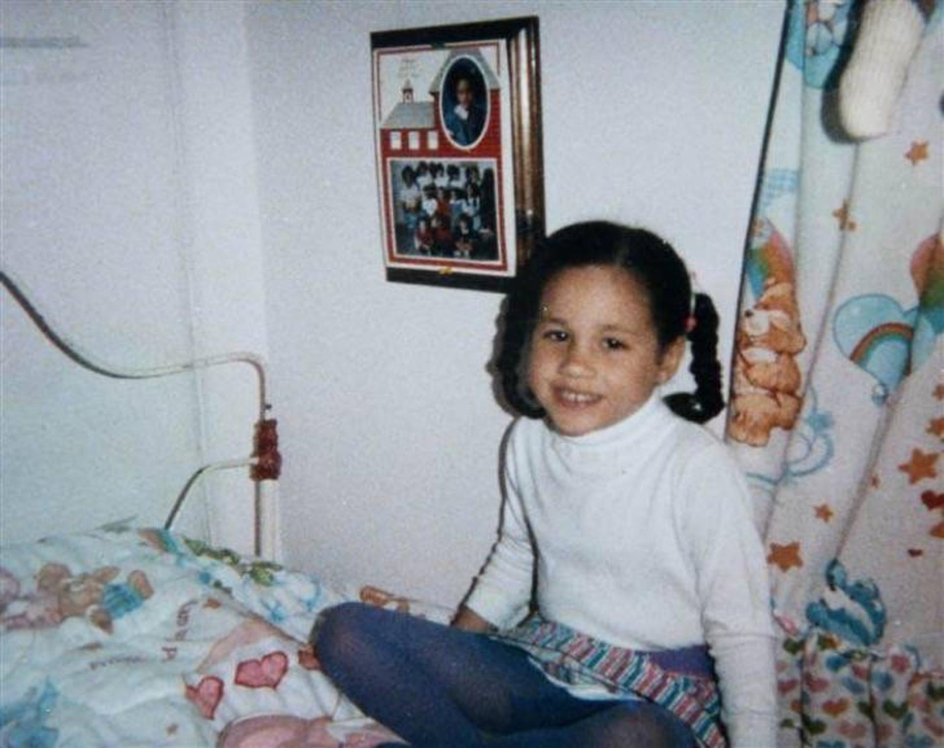 fotos de la infancia y adolescencia de meghan markle rsvponline. Black Bedroom Furniture Sets. Home Design Ideas