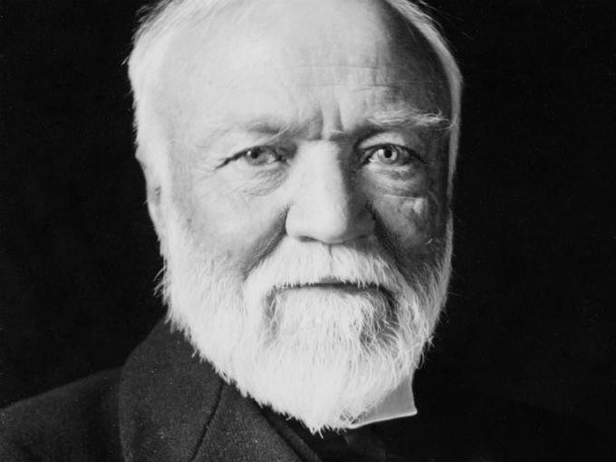 6.-Andrew Carnegie (1835-1919) vendió su compañía U.S Steel a J.P Morgan por 480 millones de dólares en 1901, el equivalente a poco más de 2.1% del PIB de Estados Unidos en esa época. En la actualidad serían 372,000 millones de dólares. Foto: Wikimedia Commons