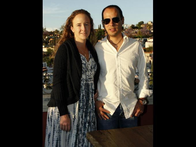 Mariana Casar y Fabián Morales listos para la cena en el hotel Rosewood.