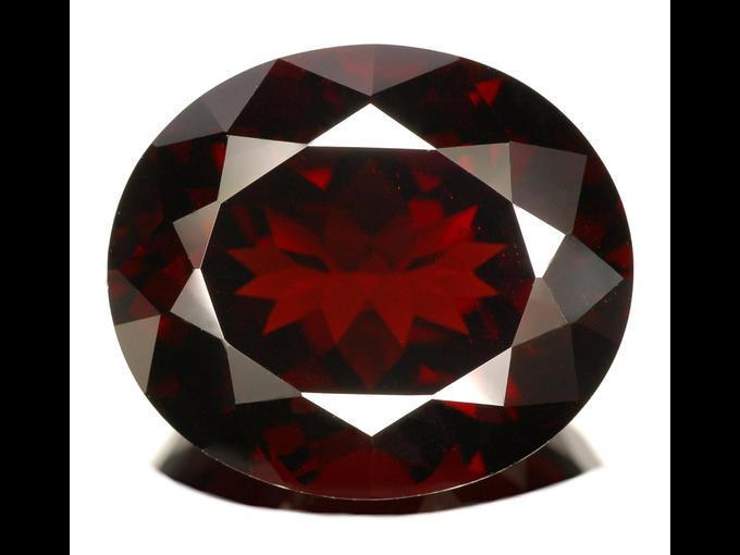 5. Painita. Descubierta alrededor de 1959 en Myanmar; fue catalogada alguna vez como la gema más rara del mundo. Actualmente se paga 60 mil dólares /quilate