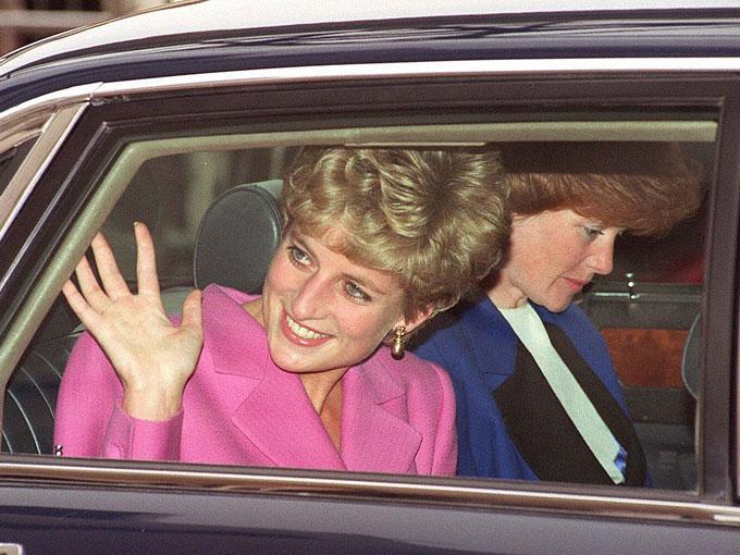 Desde matrimonios forzados hasta pedofilia, la Familia Real Británica se ha enfrentado a un sinfín de escándalos que han puesto en jaque a los Reyes en turno.