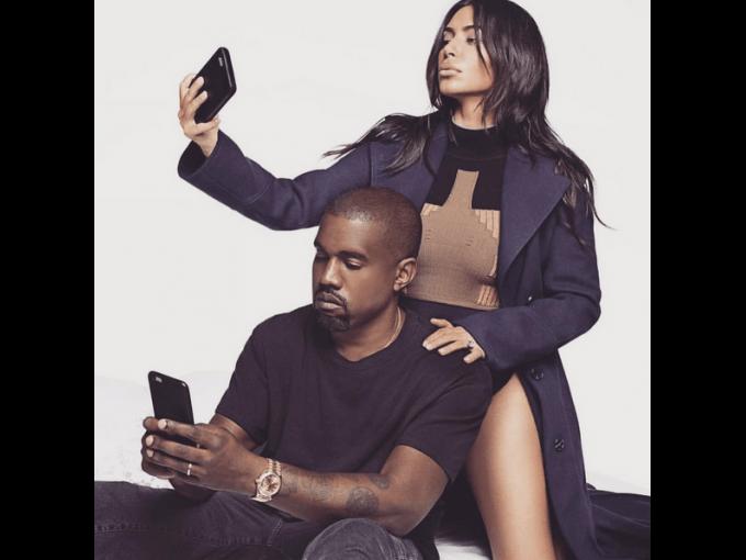 Desde hace algunos años, tomarse selfies  es una práctica habitual que la mayoría de las personas hace. Como en todas las modas, hay gente que abusa y se volvió adicta a este tipo de fotografías. A continuación te presentamos a los 10 famosos que están obsesionados con estas imágenes.
