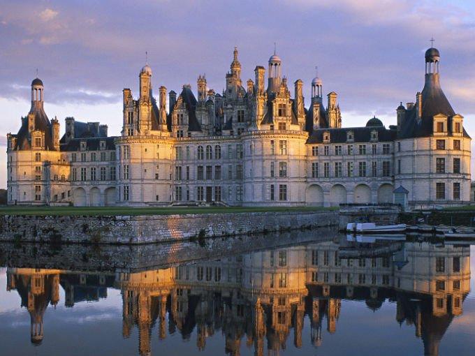 Si quieres una boda a lo grande y estas dispuesta a gastar cantidades exorbitantes para celebrar uno de los días más importantes de tu vida, entonces debes ver estos majestuosos castillos europeos. Todos están disponibles para celebrar una boda digna de un Cuento de Hadas.