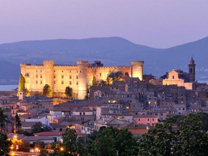 Castillo de Odescalchi (Italia): además de ser el lugar en donde se casaron Tom Cruise y Katie Holmes, cuenta con paquetes de bodas que van desde los $10,000 dólares.