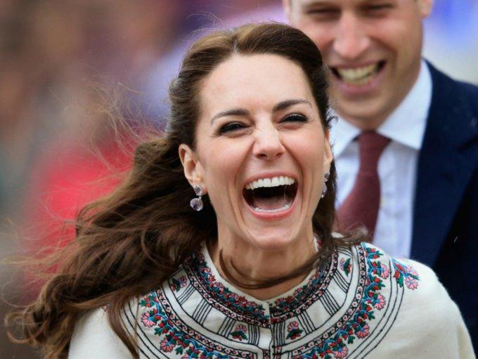 No todo es protocolo en la vida de la realeza. Kate Middleton es una mujer con emociones, y estas fotos muestran desde su lado más divertido, hasta sus momentos de desesperación: