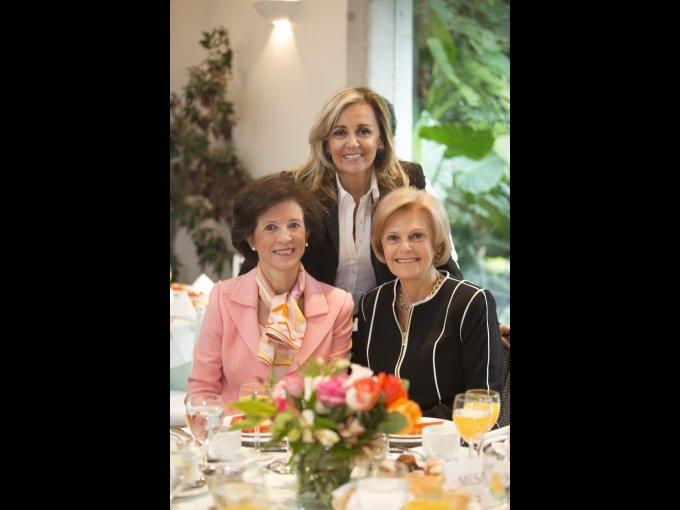 Ana María Olabuenaga, Magdalena Carral y Sara Topelson