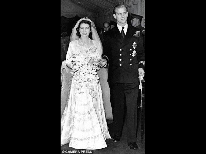 Diseñador Norman Hartnell, Reina Elizabeth, Princesa Margaret