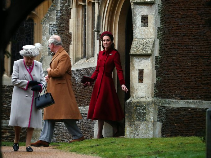 Isabel ll, Carlos y la Duquesa de Cambridge