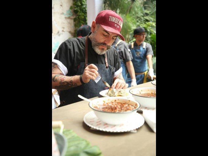 El chef Aquiles Chávez