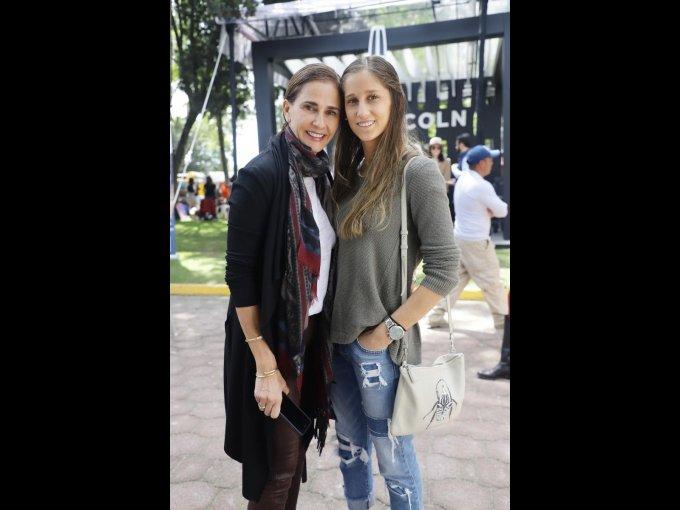Ana Paula y Camila Beteta