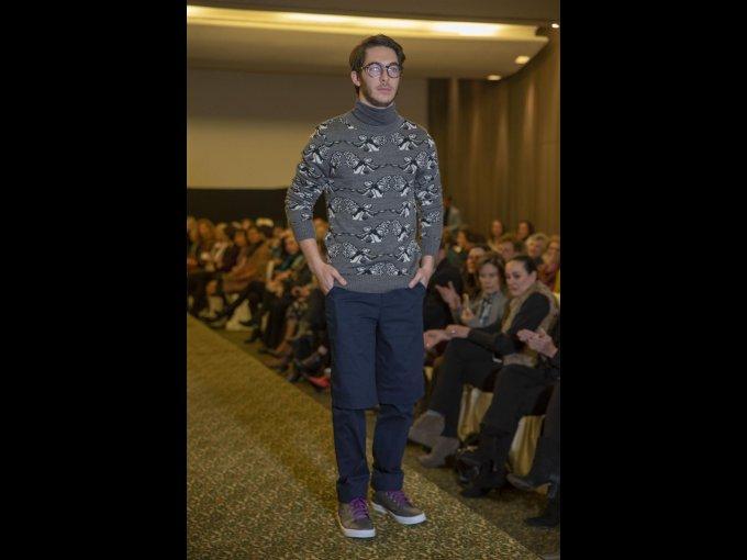 Jonathan Siano lució un look con los característicos prints de la firma mexicana