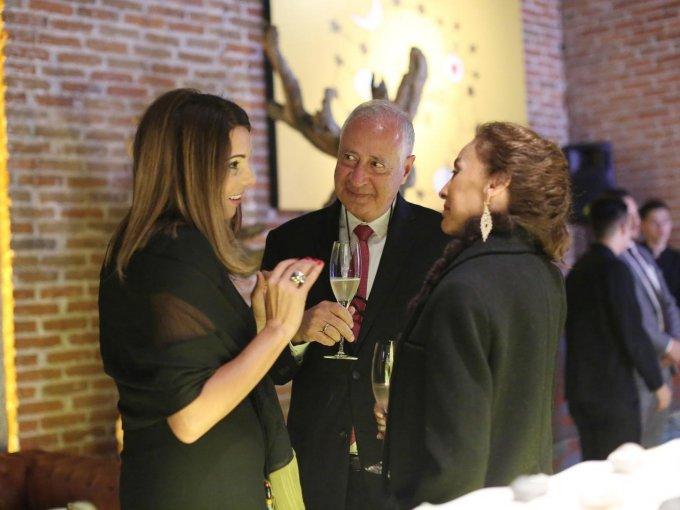 Caroline Renard, David Amar y Angélica Olivares