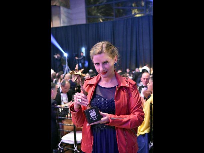 Emily Cassignac recibió el premio a nombre de La Europea como Mejor Espacio Gourmet de México