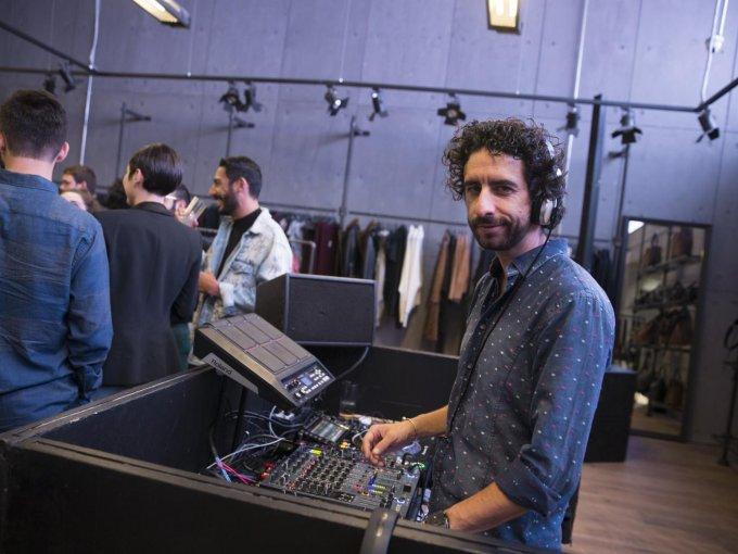 El DJ Alonso Rivero