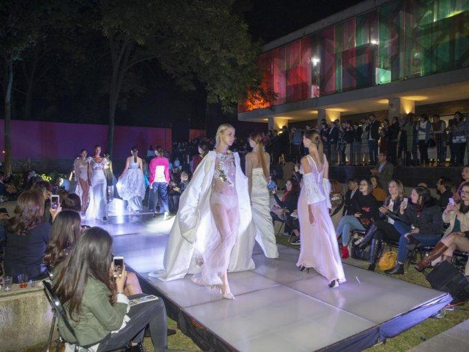 La generación de moda se despide con una colección de alta costura