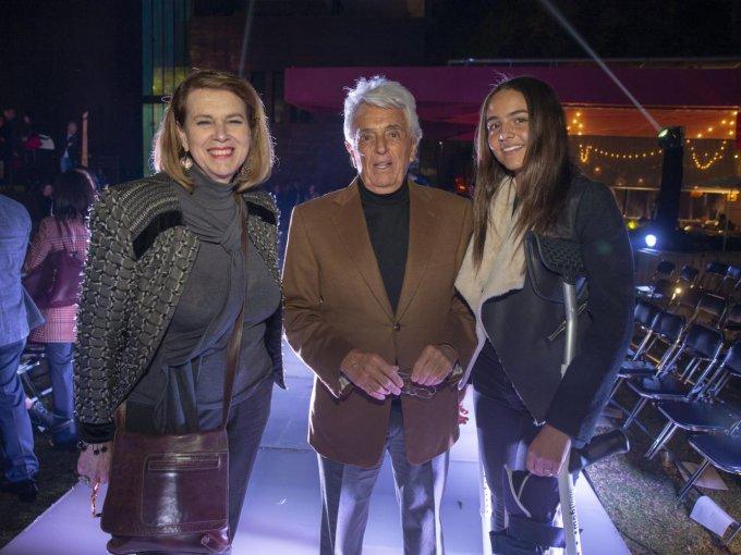 Lydia Lavín con Justino y Mariana Compeán