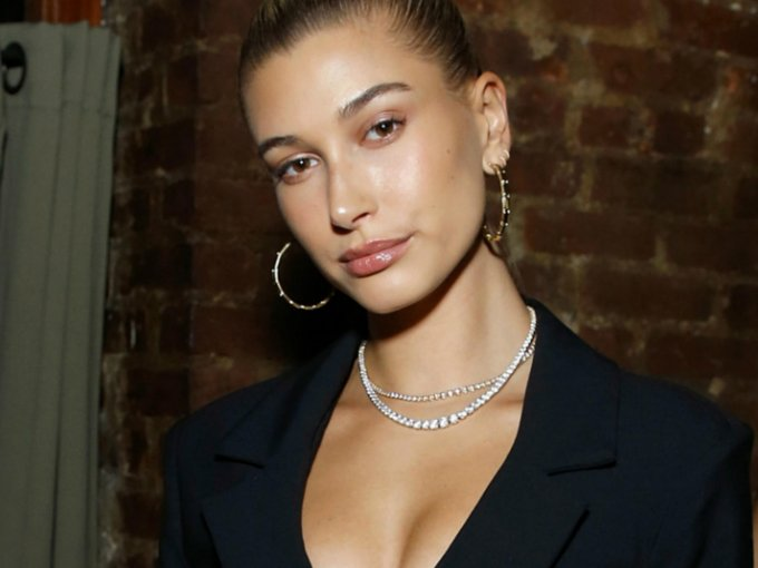 Hailey Baldwin tiene 21 años, sin embargo, aparenta más edad. Ellas son otras modelos que también lucen mayores: