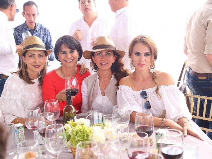 Lizzeth Galindo, Rosario Becerril, Lili Ruiz de Velasco y Rocío Jiménez